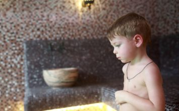 kinderen in de sauna